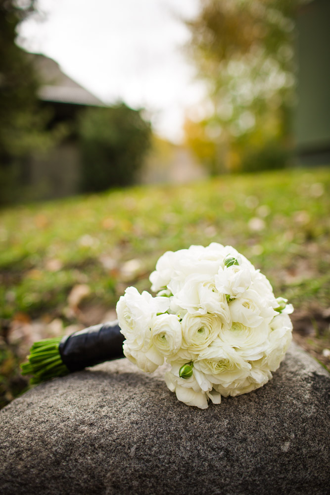 bridal-bouquet, white-flowers-bouquet, DIY-brides-bouquet, colorado-wedding-photography, fall-mountain-wedding, details-of-wedding-day