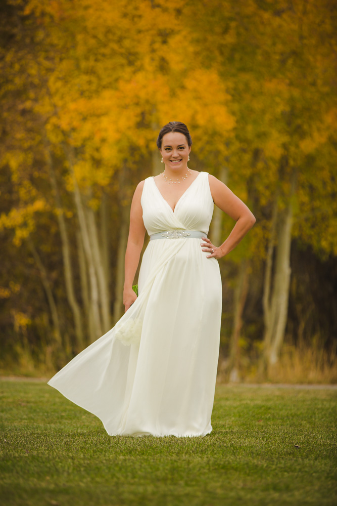 colorado-wedding-photographer, silverthorne-wedding, fall-colorado-wedding, bride-getting-ready, wedding-photography, happy-bride-and-groom, couple-in-love, beautiful-bride, mountain-wedding-colorado