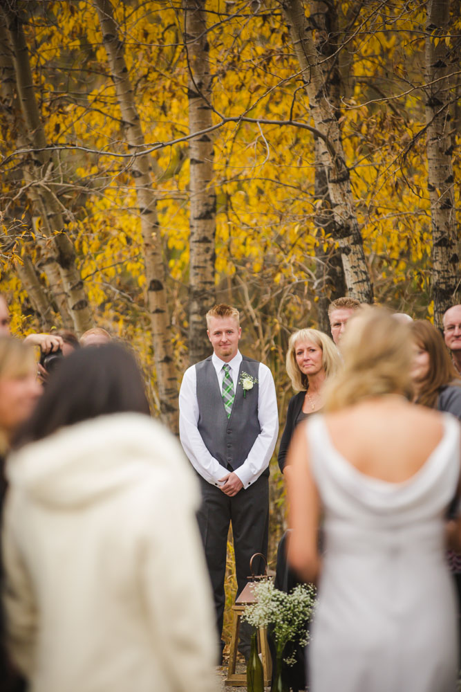 bridal-portraits, bride-and-groom-photos, colorado-wedding-photography, silverthorne-pavillion, silverthorne-wedding-photographs, fall-mountain-wedding, denver-wedding-photographer, outdoor-ceremony-mountains