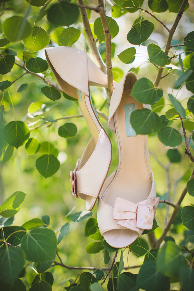 wedding-shoes, photograph-wedding-shoes, wedding-detail-pictures, wyoming-wedding, colorado-wedding-photographer
