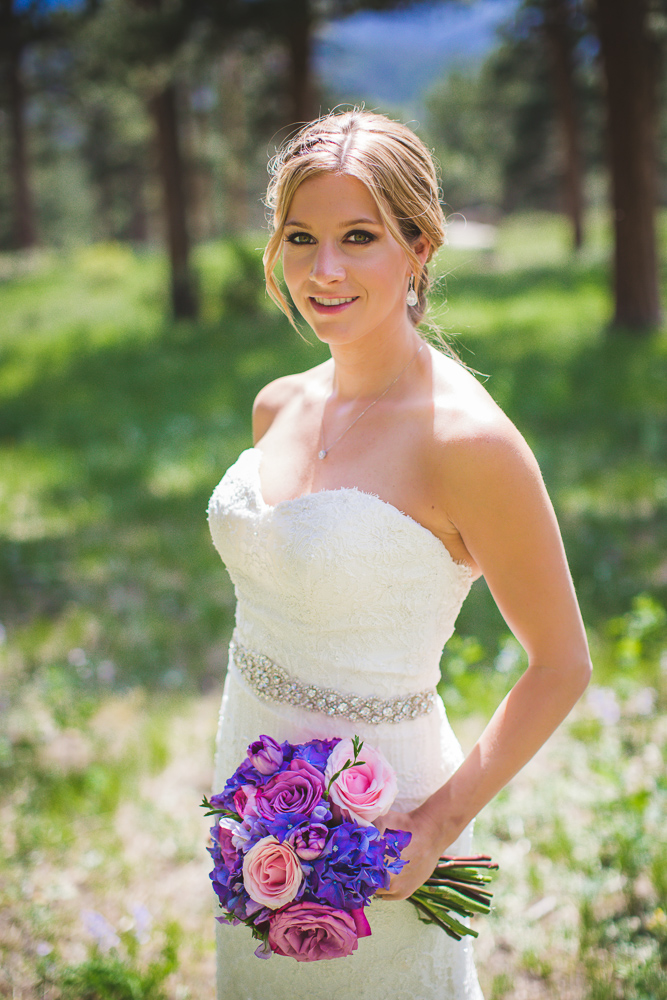 colorado-wedding-photographer, bridal-portrait, bride-in-sunshine, mountain-wedding, mountain-bride, denver-wedding-photography, beautiful-bride, estes-park-wedding, della-terra-wedding