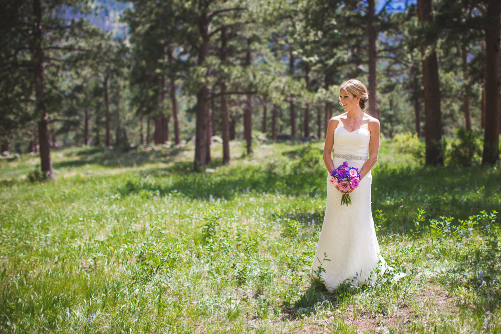 colorado-wedding-photographer, bridal-portrait, bride-in-sunshine, mountain-wedding, mountain-bride, denver-wedding-photography, beautiful-bride, della-terra-wedding, estes-park-colorado