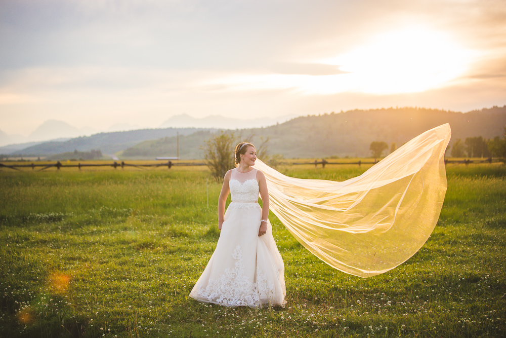 colorado-wedding-photographer, bridal-portrait, bride-in-sunshine, mountain-wedding, mountain-bride, denver-wedding-photography, beautiful-bride, diamond-cross-ranch-wedding