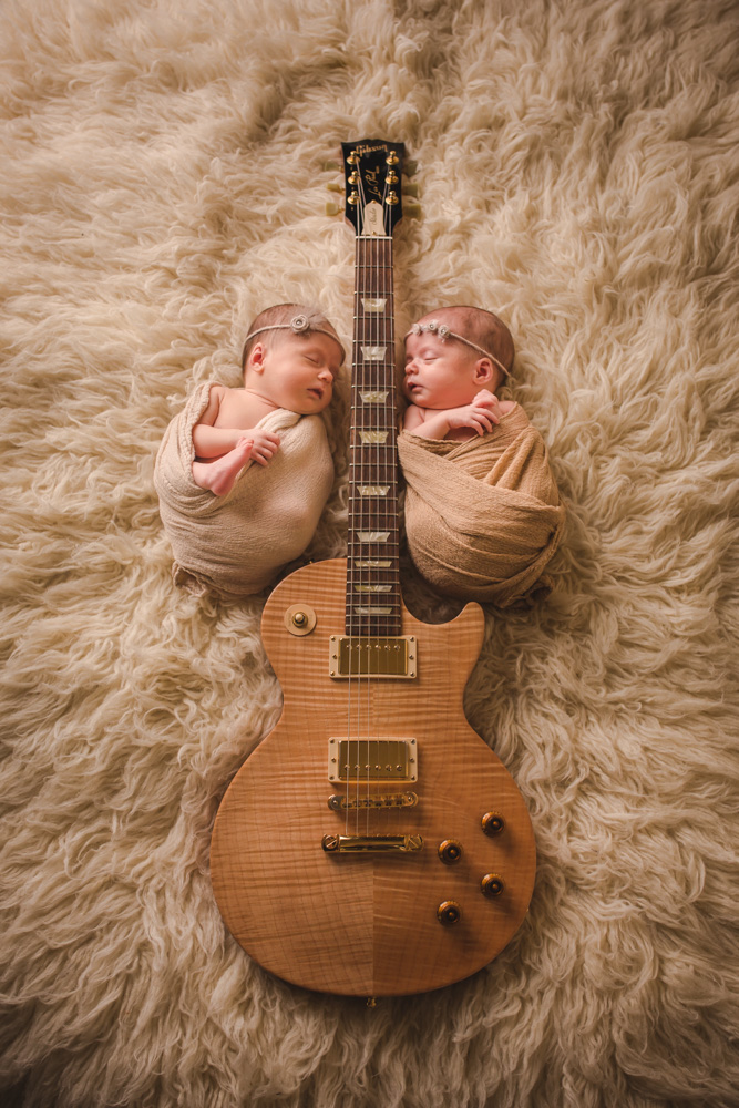 babies-with-guitar, creative-baby-pictures, newborn-twins, baby-girls, denver-baby-photographer, posed-studio-newborn-photos