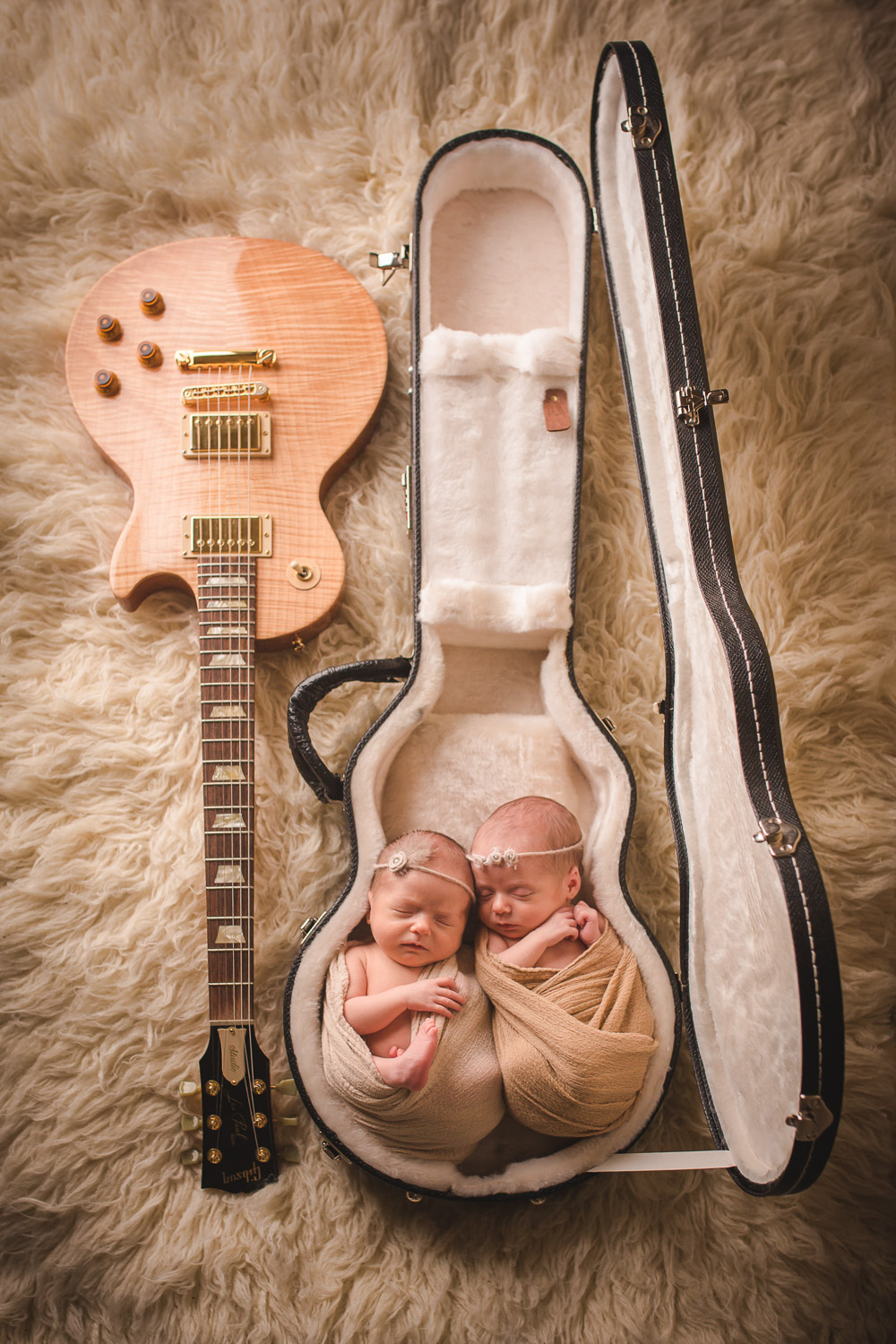 newborn babies in guitar case phoenix photographer award winning
